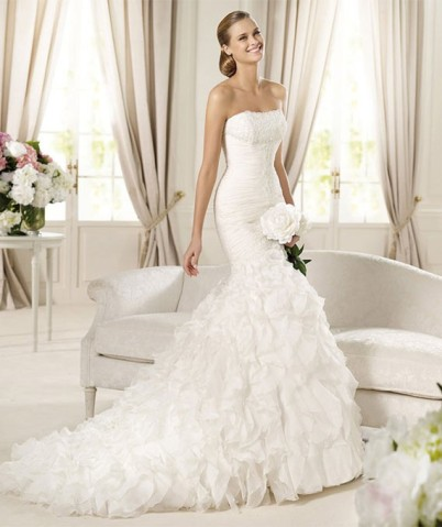 trumpetmermaid_strapless_beading_ruffles_wedding_dress